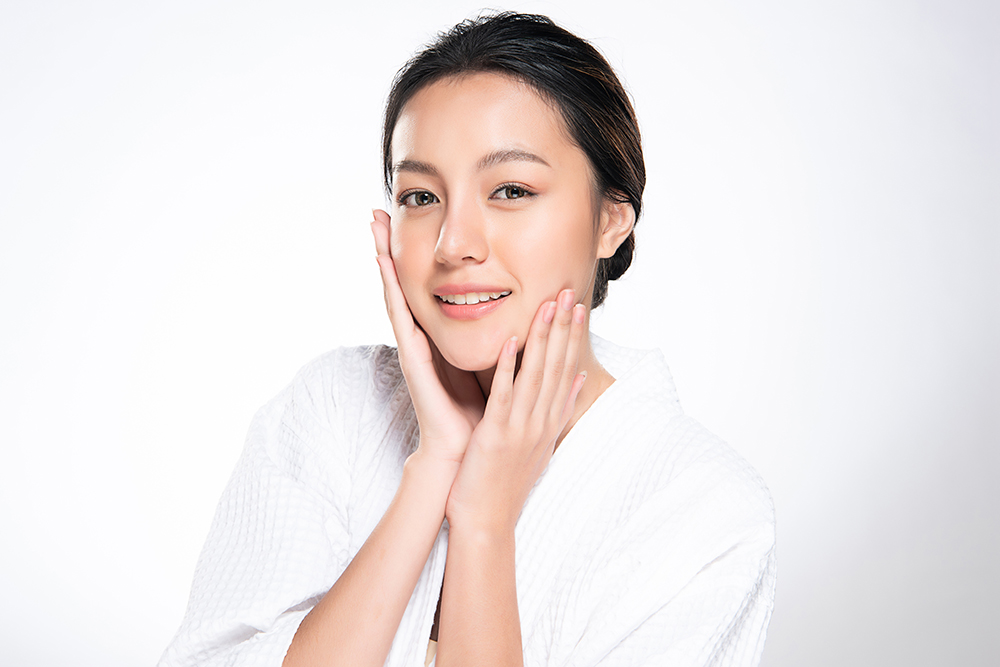 in_the_know/104/look-instantly-younger-with-this-anti-ageing-facial-that-tones-and-removes-dark-spots.jpg